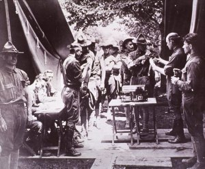 Picture of US soldiers receiving typhoid vaccinations during World War 1.